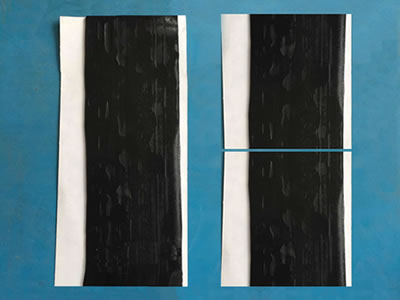 There are three pieces of butyl rubber putty on the blue background, one is 150 mm long, the other two 75 mm long.